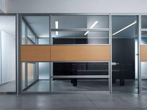 Conalmat s l fabricaci n e instalaci n de mamparas de for Tabiques divisorios para oficinas